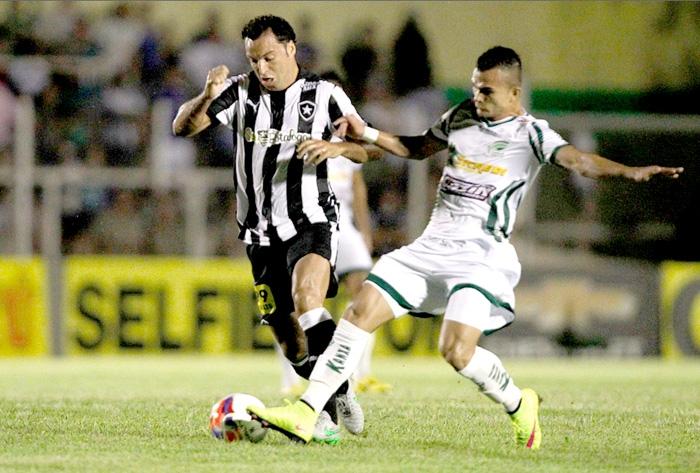 Luverdense x Botafogo Brasileiro Série B setembro 2015 em Lucas do Rio  Verde (Vitor Silva) 4e9806df5c825