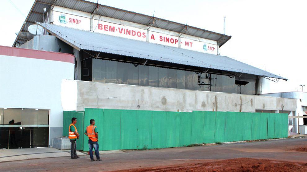 Prefeita aguarda acabar obras para solicitar mudança na categoria de operação do aeroporto em Sinop