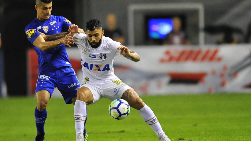 64a1277304 Cruzeiro vence o Santos na Vila Belmiro e abre vantagem na Copa do ...