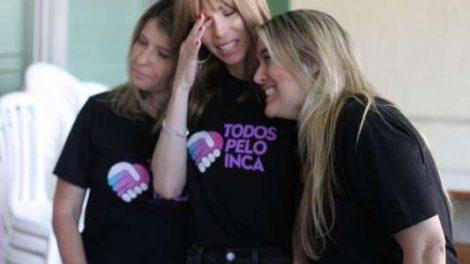 Ana Furtado chora após doação de cheque de R  128 mil ao INCA   emocionada  1376ff0ba9