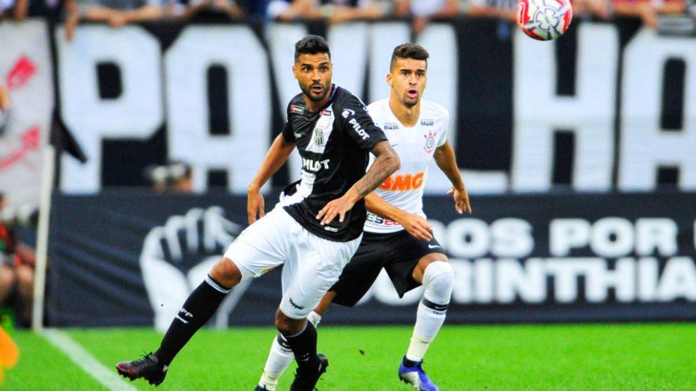 0b9e8572cc A expectativa pela estreia de Mauro Boselli com a camisa do Corinthians era  grande e ficou ainda mais evidente quando Fábio Carille mandou chamar o ...