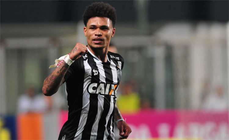 O Corinthians anunciou mais um reforço na tarde dessa segunda-feira. A bola  da vez é Junior Urso f43b9a34d09fa