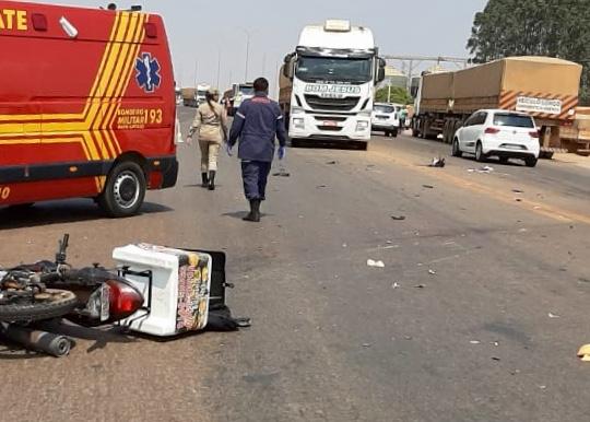 Entregador de marmita morre esmagado por carreta na BR-163 2